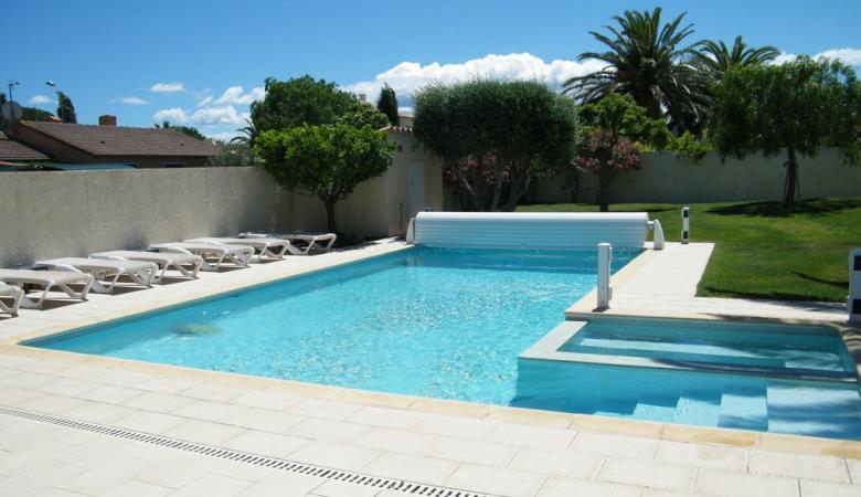 MUR Adèle piscine 1