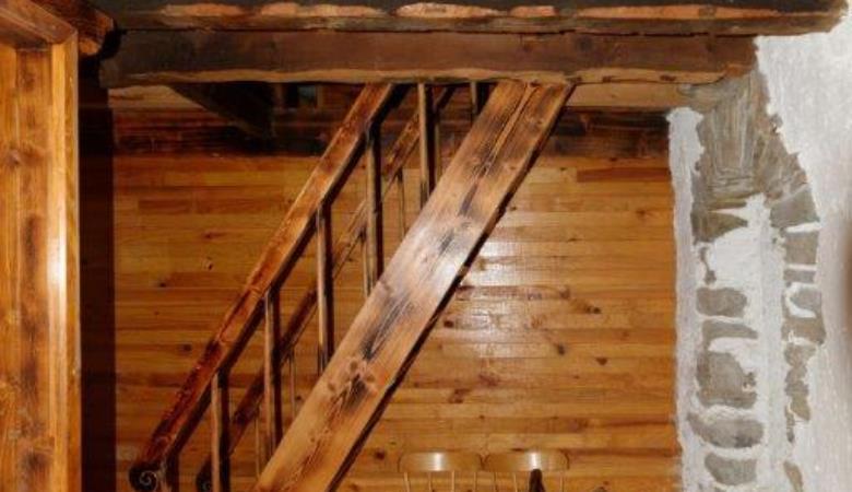 Escalier entre les étages_13